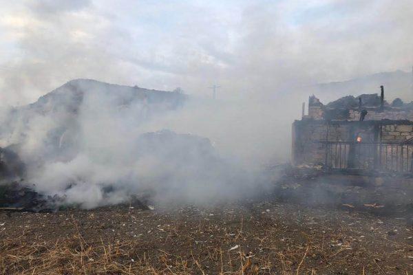 ISU CLUJ// Incendii provocate de defecțiuni la instalațiile electrice: patru case si un autocar au fost facute scrum in judetul Cluj!