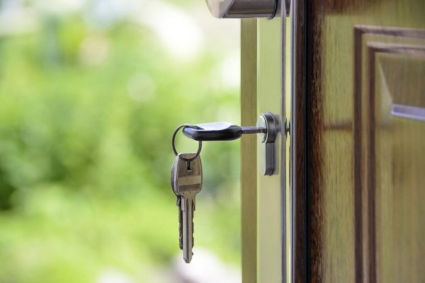 Estimări privind piaţa imobiliară în 2019: stagnarea preţurilor şi ROBOR sub 3,5%. Ce se va întâmpla cu fondurile pentru Prima Casă